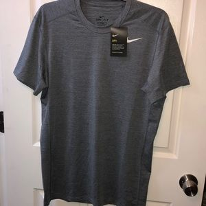 NWT Men's fitted Nike dry-fit tee
